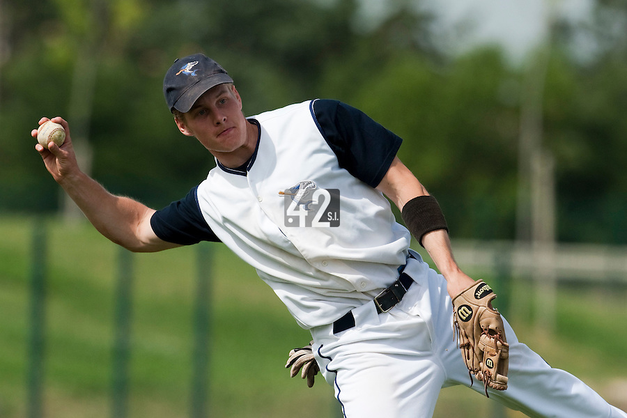 22 May 2009:  Gregory Cros of Montpellier throws a ball to first base during the 2009 challenge de France, a tournament with the best French baseball teams - all eight elite league clubs - to determine a spot in the European Cup next year, at Montpellier, France. Senart wins 7-1 over Montpellier.