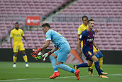 1st October 2017, Camp Nou, Barcelona, Spain; La Liga football, Barcelona versus Las Palmas; Leandro Gigi Zolla stops the ball