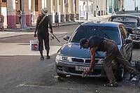 Going fishing and polishing the car, Centro Habana