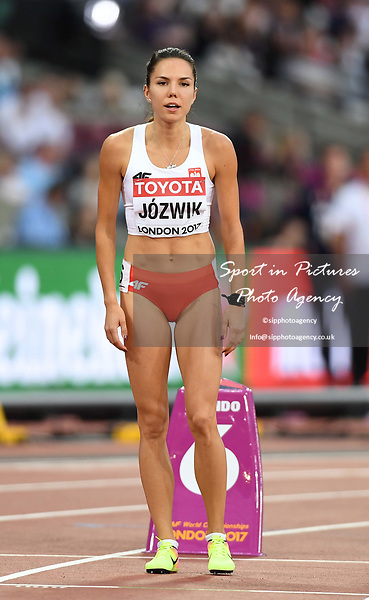 Joanna JÓZWIK (POL) in the womens 800m semi-final. IAAF world athletics championships. London Olympic stadium. Queen Elizabeth Olympic park. Stratford. London. UK. 11/08/2017. ~ MANDATORY CREDIT Garry Bowden/SIPPA - NO UNAUTHORISED USE - +44 7837 394578