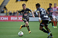 Michael McGlinchey in action during the A League - Wellington Phoenix v Melbourne City at Westpac Stadium, Wellington, New Zealand on Sunday 30 November 2014.