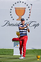 Jordan Spieth (USA) watches his tee shot on 1 during round 4 Singles of the 2017 President's Cup, Liberty National Golf Club, Jersey City, New Jersey, USA. 10/1/2017. <br /> Picture: Golffile | Ken Murray<br /> <br /> All photo usage must carry mandatory copyright credit (&copy; Golffile | Ken Murray)