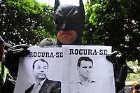 RIIO DE JANEIRO,RJ31.10.2013: ATO GRITO DA LIBERDADE NO CENTRO DO RIO- Ato unificado reuniu  milhares de manifestantes no Forum do Rio, na Avenida Primeiro de Março nesta tarde. Grupos que defendem a liberdade de expressão, pessoas do meio artistico e outros grupos se reuniram as 15:00 horas e depois sairam em passeata, passaram pela Alerj em direção a Cinelândia. SANDROVOX/BRAZILPHOTOPRESS