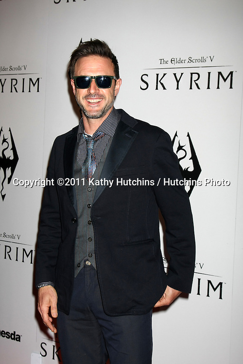 LOS ANGELES - NOV 8:  David Arquette arrives at the SKYRIM Launch Event at Belasco Theater on November 8, 2011 in Los Angeles, CA