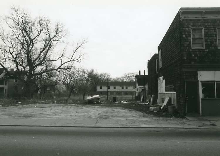1993 March 22..Conservation.Huntersville 1 (R-70)..North Huntersville Study.Sequence 31.vacant lot Church Street.East side...NEG#.NRHA#.CONSERV:N.Hunt  1   5:16  FR7a.