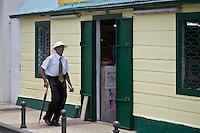 France/DOM/Martinique/ Sainte-Luce:  les ruelles détail habitat