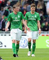 FUSSBALL   1. BUNDESLIGA   SAISON 2011/2012   34. SPIELTAG SV Werder Bremen - FC Schalke 04                       05.05.2012 Tim Borowski (li)  und Sebastian Proedl (re, beide SV Werder Bremen) sind enttaeuscht