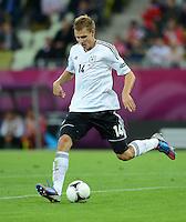 FUSSBALL  EUROPAMEISTERSCHAFT 2012   VIERTELFINALE Deutschland - Griechenland     22.06.2012 Holger Badstuber (Deutschland) Einzelaktion am Ball
