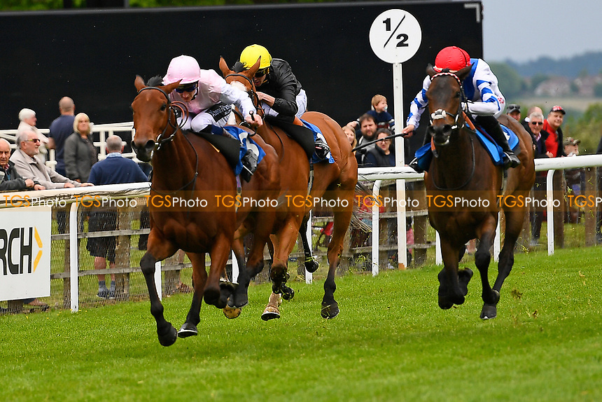 Winner of The Smith & Williamson Maiden Fillies' Stakes (Div1),Fleur Forsyte ridden by Daniel Muscott and trained by James Fanshawe during Afternoon Racing at Salisbury Racecourse on 18th May 2017