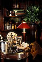 Europe/France/Champagne-Ardenne/51/Marne/Reims : Maison Pomery - Le champagne à la veillée dans la bibliothèque