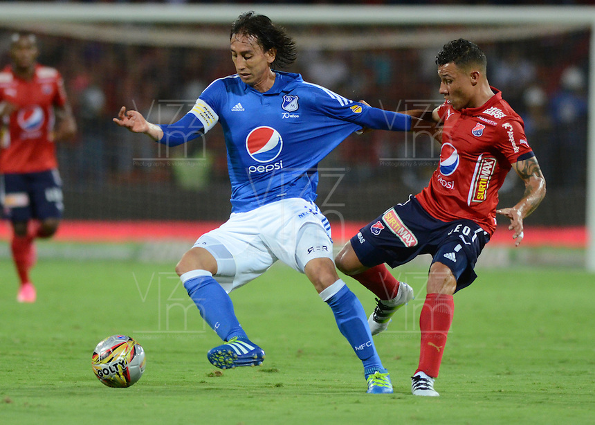 MEDELLÍN -COLOMBIA-28-MAYO-2016. Luis Arias (Der.) del Medellín  disputa el balón con Rafael Robayo (Izq.) de Millonarios  durante partido por la fecha 20 de Liga Águila I 2016 jugado en el estadio Atanasio Girardot ./ Luis Arias  (R) of  Medellin fights   for the ball with Rafael Robayo (L) of Millonarios  during the match for the date 20 of the Aguila League I 2016 played at Atanasio Girardot  stadium in Medellin . Photo: VizzorImage / León Monsalve  / Contribuidor