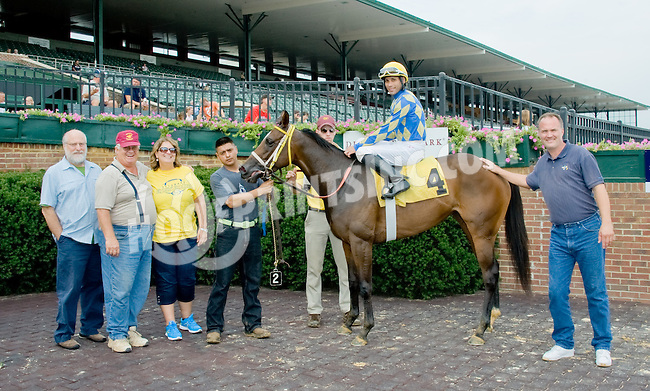 Be Widgett winning at Delaware Park on 9/6/12