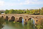 Puente Romano, Roman bridge crossing, Rio Guadiana River, Merida, Extremadura, Spain