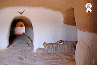 Entrance of a Troglodyte house, Matmata Tunisia (Licence this image exclusively with Getty: http://www.gettyimages.com/detail/85071232 )