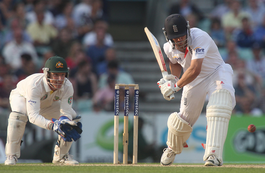 England's Jonathan Trott  in action<br /> <br /> Photo by Kieran Galvin / CameraSport<br /> <br /> International Cricket - Fifth Investec Ashes Test Match - England v Australia - Day 5 - Thursday 25th August 2013 - The Kia Oval - London<br /> <br /> &copy; CameraSport - 43 Linden Ave. Countesthorpe. Leicester. England. LE8 5PG - Tel: +44 (0) 116 277 4147 - admin@camerasport.com - www.camerasport.com