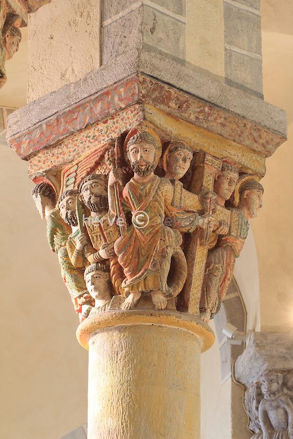 France, Puy-de-Dôme,Saint-Nectaire, l'église Saint-Nectaire, chapitaux du choeur // France, Puy de Dome,St Nectaire, St Nectaire church, painted capital in the coir