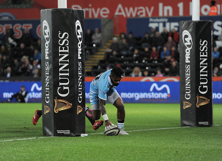 Glasgow Warriors' Nikola Matawalu scores his sides second try<br /> <br /> Photographer Kevin Barnes/CameraSport<br /> <br /> Guinness Pro14 Round 8 - Ospreys v Glasgow Warriors - Friday 2nd November 2018 - Liberty Stadium - Swansea<br /> <br /> World Copyright © 2018 CameraSport. All rights reserved. 43 Linden Ave. Countesthorpe. Leicester. England. LE8 5PG - Tel: +44 (0) 116 277 4147 - admin@camerasport.com - www.camerasport.com