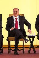 SÃO PAULO, SP - 05.09.2013: POSSE DO NOVO SECRETÁRIO DA SAÚDE - O Governador de São Paulo durante a posse do novo Secretário da Saúde, Dr David Uip, nesta quinta-feira (05) no Palácio dos Bandeirantes, região sul de São Paulo (Foto: Marcelo Brammer/Brazil Photo Press)
