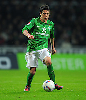 FUSSBALL   1. BUNDESLIGA   SAISON 2011/2012   23. SPIELTAG SV Werder Bremen - 1. FC Nuernberg                   25.02.2012 Zlatko Junuzovic (SV Werder Bremen)  Einzelaktion am Ball