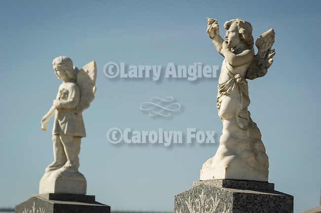 Two angels statue headstones, Paradise Valley Cemetery, Nev.