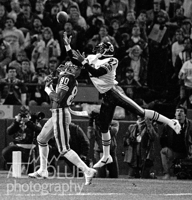 San Francisco 49ers vs Chicago Bears at Candlestick Park Monday, December 14, 1987..49ers Beat Bears 41-0.Chicago Bears Defensive Back Mike Richardson (27) prevents San Francisco 49ers Wide Receiver Jerry Rice (80) from catching ball...