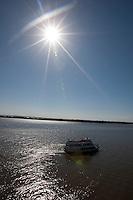 Porto Alegre_RS, Brasil...Barco no Rio Guaiba em Porto Alegre, Rio Grande do Sul...A boat in the Guaiba river in Porto Alegre, Rio Grande do Sul...Foto: MARCUS DESIMONI / NITRO