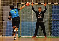Markus Kochler (Langen) gegen Andreas Krasusky (Crumstadt/Goddelau) - Crumstadt 02.12.2018: ESG Crumstadt/Goddelau vs. HSG Langen
