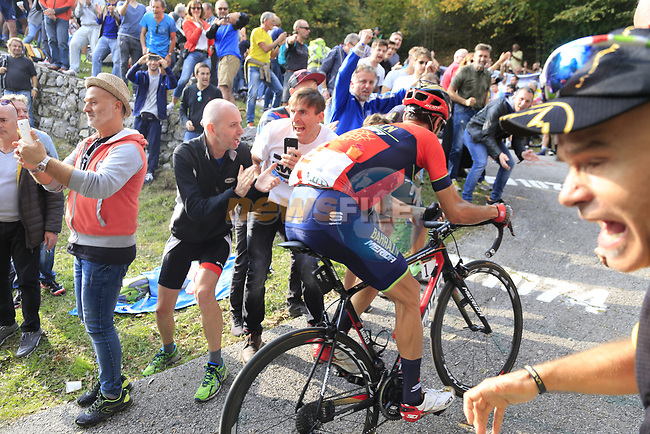 Vincenzo Nibali (ITA) Bahrain-Merida first to climb the brutal 30% Muro di Surmano during the 112th edition of Il Lombardia 2018, the final monument of the season running 241km from Bergamo to Como, Lombardy, Italy. 13th October 2018.<br /> Picture: Eoin Clarke | Cyclefile<br /> <br /> <br /> All photos usage must carry mandatory copyright credit (© Cyclefile | Eoin Clarke)