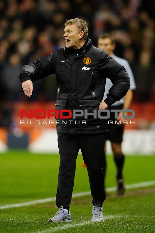 Man Utd Manager David Moyes (SCO) shouts from the touchline during the second half of the match -  - 18/12/2013 - SPORT - FOOTBALL - Britannia Stadium, Stoke - Stoke City v Manchester United - Capital One Football League Cup Quarter-Final.<br /> Foto nph / Meredith<br /> <br /> ***** OUT OF UK *****