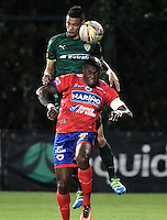 BOGOTÁ -COLOMBIA, 14-08-2016. Oliver Fula (Izq) de La Equidad disputa el balón con Cristian Nazarit (Der) de Deportivo Pasto durante partido por la fecha 8 de la Liga Águila II 2016 jugado en el estadio Metropolitano de Techo de la ciudad de Bogotá./ Oliver Fula (L) player of La Equidad fights for the ball with Cristian Nazarit (R) player of Deportivo Pasto during the match for the date 8 of the Aguila League II 2016 played at Metropolitano de Techo stadium in Bogotá city. Photo: VizzorImage/ Gabriel Aponte / Staff