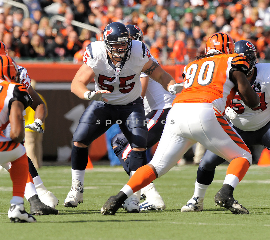 CHRIS MYERS, of the Houston Texans  in action during the Texans game against Cincinnati Bengals in Cincinnati, OH on October 18, 2009.  The Texans  beat the Rams 28-17..
