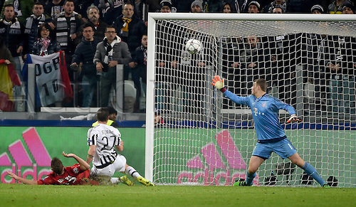 23.02.2016. Turin, Italy. UEFA Champions League football. Juventus versus Bayern Munich.  Joshua Kimmich (FC Bayern Muenchen), scorer Stefano Sturaro (Juventus Turin), Manuel Neuer (FC Bayern Muenchen)  for the 2-2 equaliser