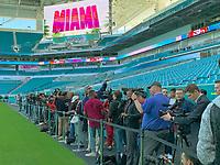 Medienandrang im Innenraum des Hard Rock Stadium bei den Vorbereitungen auf den Super Bowl LIV am 2. Februar zwischen den Kansas City Chiefs und San Francisco 49ers - 22.01.2020: SB LIV im Hard Rock Stadium Miami