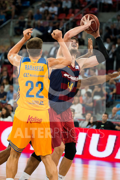 Herbalife Gran Canaria's player Xavi Rabaseda and FC Barcelona Lassa player Ante Tomic during the final of Supercopa of Liga Endesa Madrid. September 24, Spain. 2016. (ALTERPHOTOS/BorjaB.Hojas)
