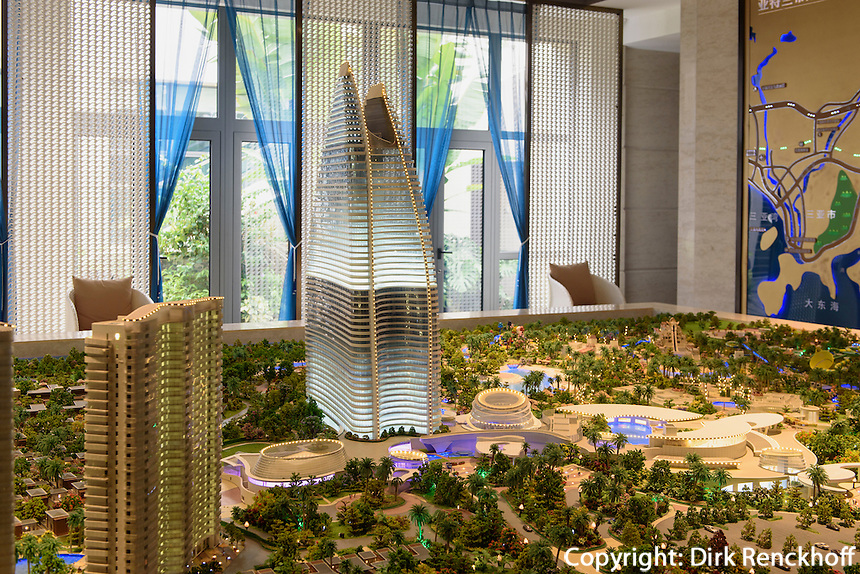 Modell des Hotel Atlantis bei Sanya Insel Hainan, China<br /> Model of Hotel Atlantis near Sanya, Hainan island, China