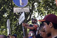 Roma 14 Maggio 2011.Manifestazione nazionale contro l'assedio a Gaza, per la libertà della Palestina, in sostegno alla Freedom Flotilla.Nella fot i manifestanti pongono una targa aVittorio Arrigoni intitolandogli Piazza dell'Esquilino