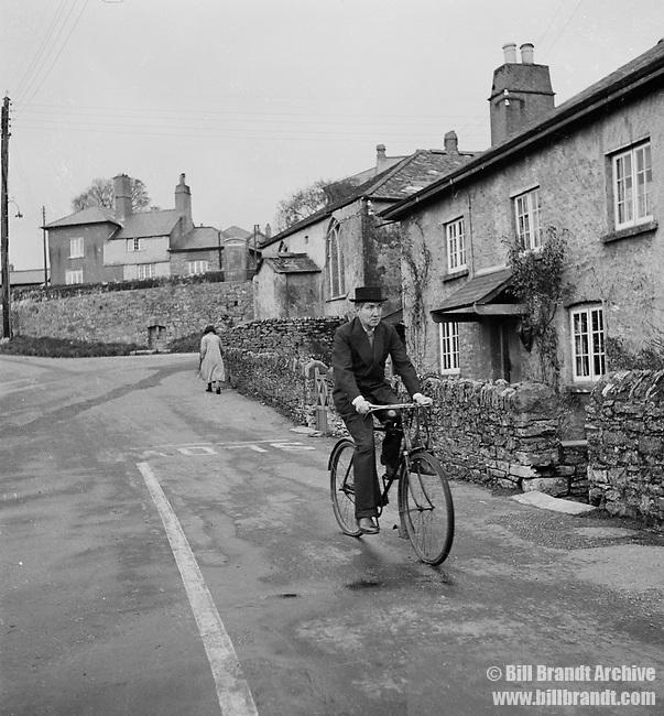 Robert Graves on bicycle, 1941