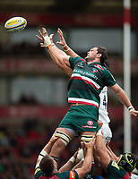 Dom Barrow of Leicester Tigers in action at a lineout. Aviva Premiership match, between Leicester Tigers and Bath Rugby on September 3, 2017 at Welford Road in Leicester, England. Photo by: Patrick Khachfe / Onside Images