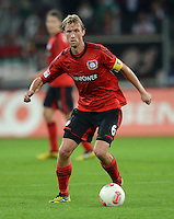 FUSSBALL   1. BUNDESLIGA  SAISON 2012/2013   5. Spieltag FC Augsburg - Bayer 04 Leverkusen           26.09.2012 Simon Rolfes (Bayer 04 Leverkusen)