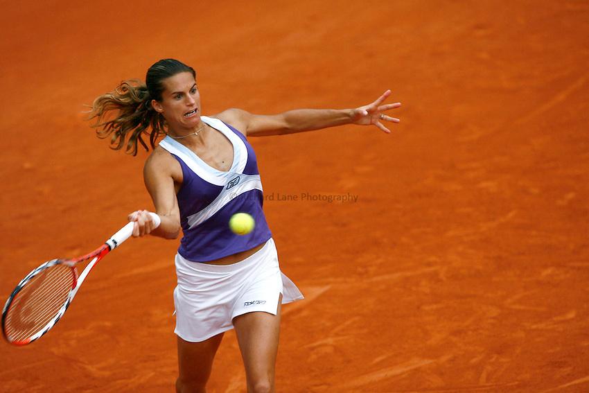Photo: Iconsport/Richard Lane Photography..French Open, Roland Garros 2007. 31/05/2007..Amelie Mauresmo returns.