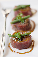 """Europe/France/Rhône-Alpes/73/Savoie/Chambéry:  Sushi de boeuf aux lentilles et  beaufort ,recette de  Patrick Turpin chef du   Restaurant """"La Maniguette"""" 99 rue Juiverie"""