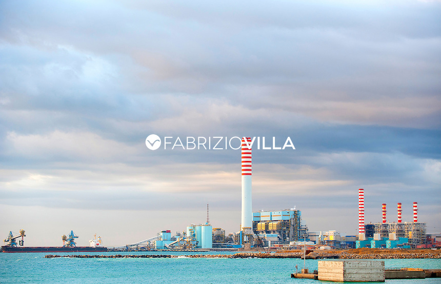 Taranto, Italia, Impianti siderurgici Ilva