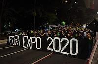 SÃO PAULO, SP, 19 DE SETEMBRO DE 2013 - PROTESTO EXPO 2020 - Grupo protesta contra a Expo 2020, na Avenida Paulista, região central da capital, na noite desta quinta feira, 19. Os manifestantes são contra o uso de dinheiro público para custos da feira de negócios, que será um dos maiores eventos do mundo. FOTO: ALEXANDRE MOREIRA / BRAZIL PHOTO PRESS