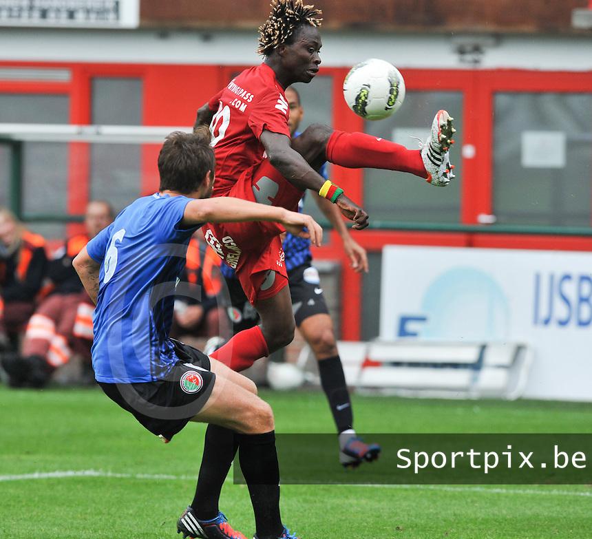 KV Kortrijk : Ernest Nfor.foto VDB / BART VANDENBROUCKE