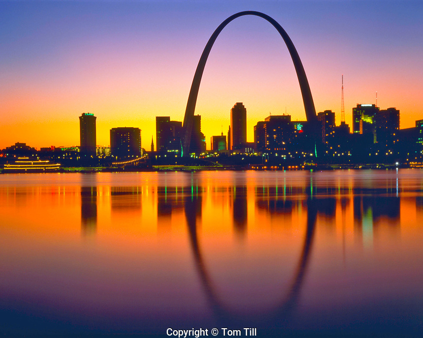 Spring Sunset over Gateway Arch & St. Louis, seen from Illinois, Jefferson National Expansion Memorial, Mississippi River, Missouri    April 1990