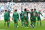 05.10.2019,  GER; 2. FBL, Hamburger SV vs SpVgg Greuther Fuerth ,DFL REGULATIONS PROHIBIT ANY USE OF PHOTOGRAPHS AS IMAGE SEQUENCES AND/OR QUASI-VIDEO, im Bild die Mannschaft von Fuerth laesst die Koepfe haengen nach der Niederlage Foto © nordphoto / Witke