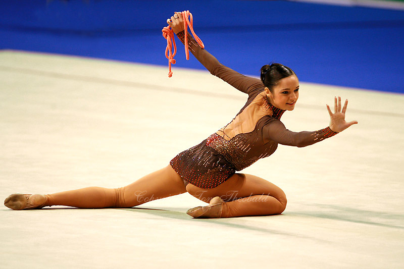 Anna Bessonova of Ukraine finishes with rope during event finals  at Berlin Grand Prix Finale at Berlin, Germany on Octoberl 22, 2006.<br />