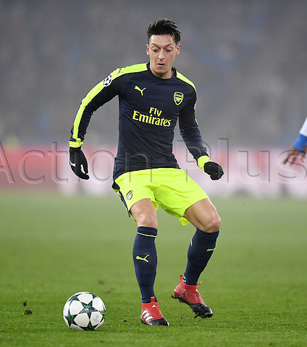 06.12.2016. Basel, Switzerland. Champions League Group A FC Basle versus Arsenal at St. Jakob Park.   Mesut Oezil (Arsenal) on the Ball