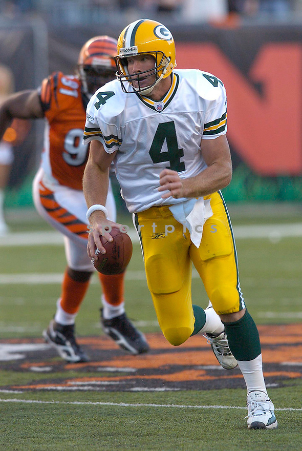 Brett Favre, of the Green Bay Packers, during their game against the Cincinnati Bengals  on October 30, 2005...Bengals win 21-14..Chris Bernacchi / SportPics