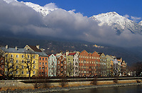 Europe/Autriche/Tyrol/Innsbruck: Façade sur la rive gauche de l'Inn